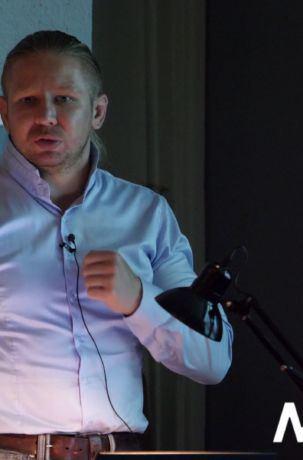 Dr Tomasz Mleczek, wykład Kolekcjoner i artysta. Uzbrojenie w malarstwie Brandta